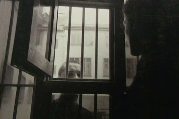 Photographies et textes ... témoignages de la vie des détenus.