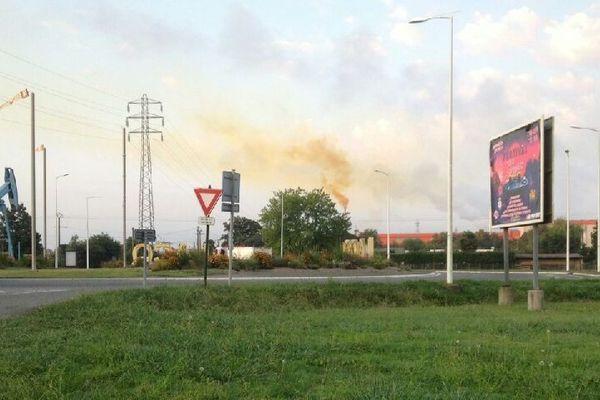 Les fumées sur le site du Bassin de Lacq - Mardi 15 octobre -