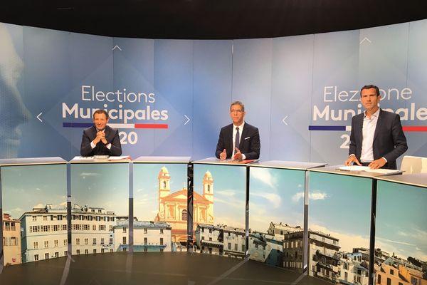 Jean-Sébastien de Casalta, Pierre Savelli et Julien Morganti à quelques minutes du débat