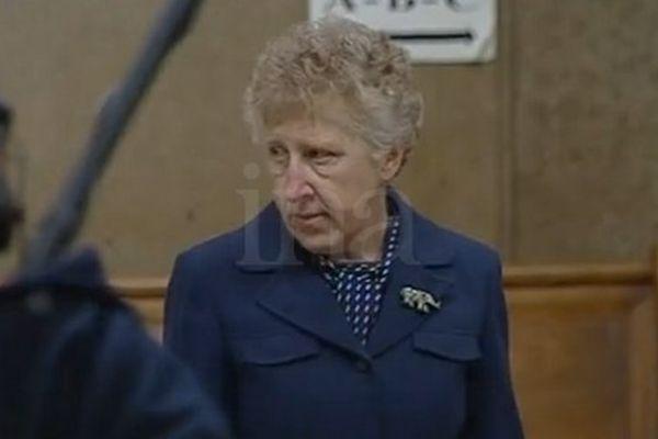 Jacqueline Dils au procès de son fils Patrick à Lyon en 2002