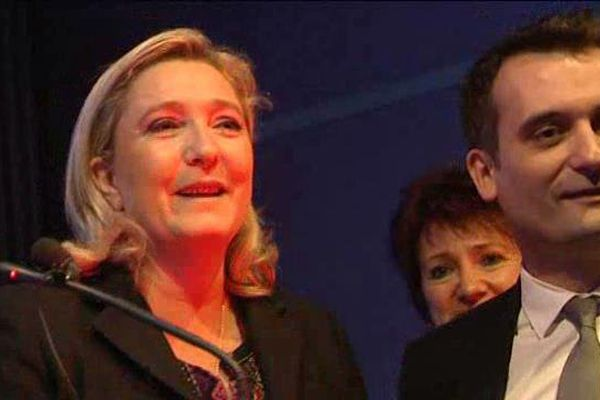 Marine Le Pen a fait applaudir Florian Philippot.