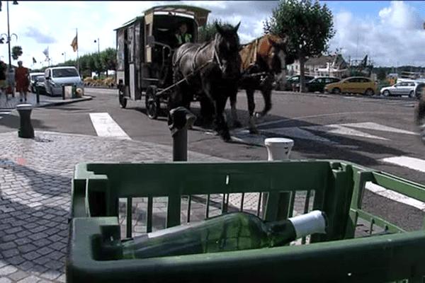 Un service hippomobile assure à Trouville la collecte des déchets recyclables. Il pourrait disparaître en janvier prochain.