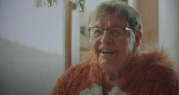 """Marie-JeanneBahuon la grand-mère de Quentin Ménard dans le court-métrage """"La vie c'est pas un jeu"""" récompensé au Nikon Film Festival"""