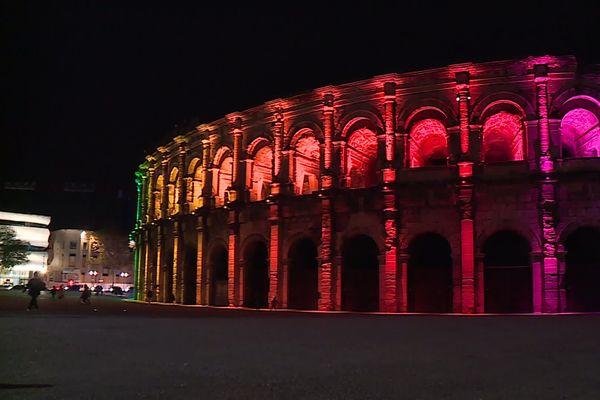 Les Arènes seront illuminées du dimanche au mercredi de 17h30 à 21h et du jeudi au samedi de 17h30 à minuit.