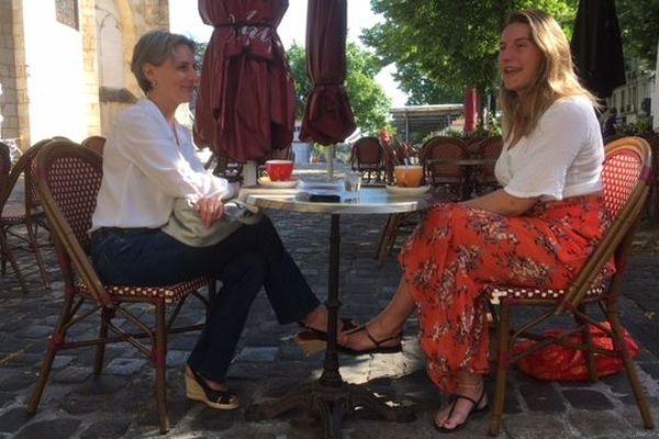 Le plaisir simple d'une terrasse à Poitiers, le 2 juin 2020.