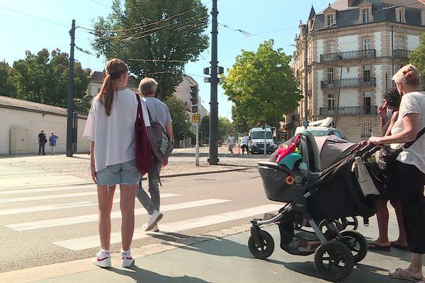 """Le collectif Place aux piétons a publié ce mardi la première édition de son baromètres des villes """"marchables""""."""