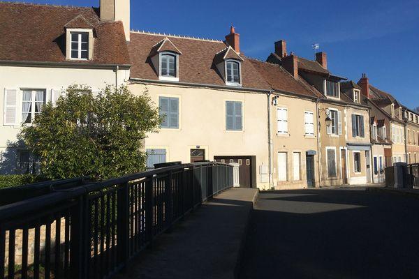 Saint-Amand-Montrond : les ateliers de bijouterie s'installaient au bord du canal de Berry