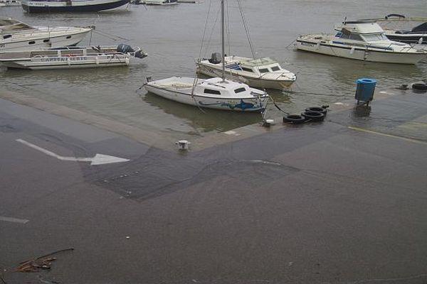 L'eau a envahi les quais du port de Banyuls