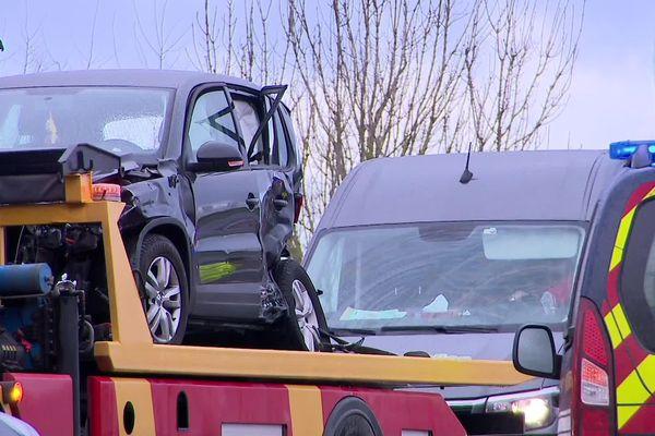 Cinq véhicules impliqués dans un carambolage sur la N27.
