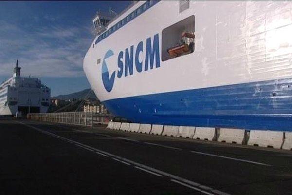 Les navires de la SNCM à quai dans le port de Marseille