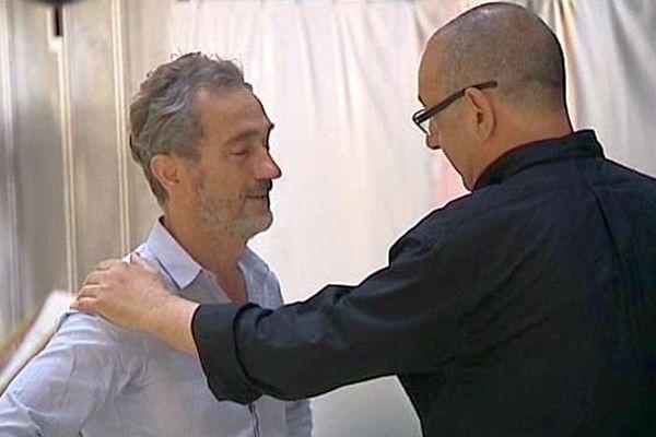 Montpellier - Jean-Paul Montanari directeur du festival Montpellier Danse réconforte Angelin Preljocaj metteur en scène du spectacle d'ouverture - 23 juin 2014.