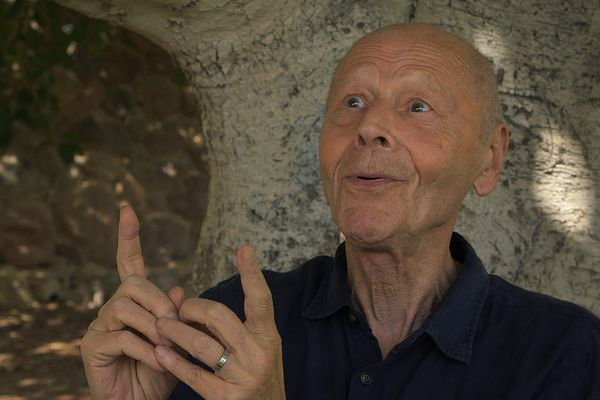 Conversation dans le désert avec Pierre Michon, un film de Sylvie Blum