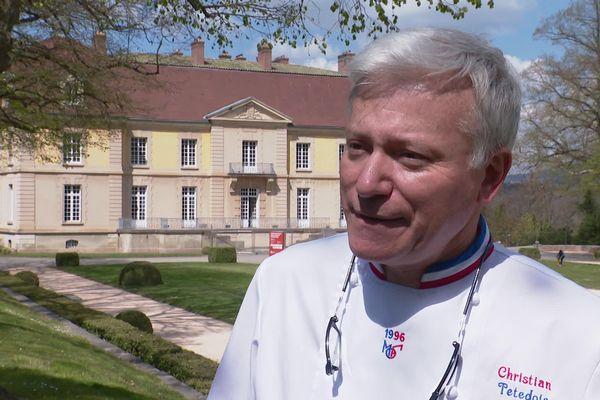 Le chef étoilé lyonnais, Christian Têtedoie, à l'origine du projet de CFA des métiers de la gastronomie, au château du domaine Lacroix-Laval