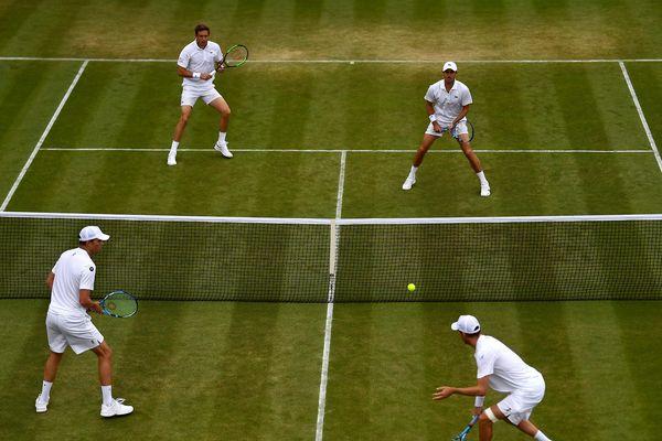 Mahut et Roger-Vasselin opposés à la paire Bryan au septième jour du tournoi de Wimbledon.