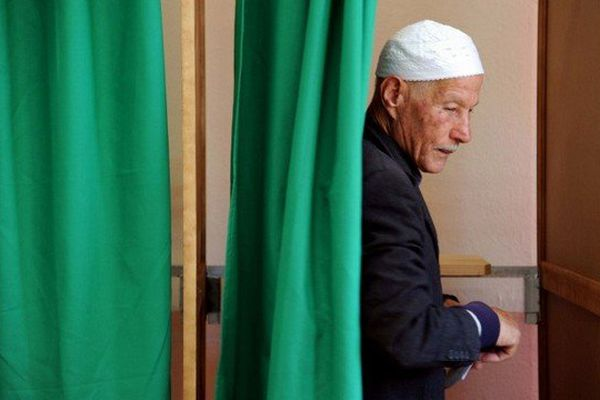 Quelque 815.000 Algériens votent en France à partir de ce samedi pour élire le président algérien.