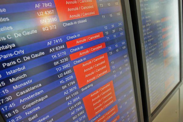 La tempête perturbe les vols à l'arrivée et au départ.