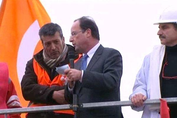Le candidat socialiste François Hollande à Florange le 3 mars 2012.
