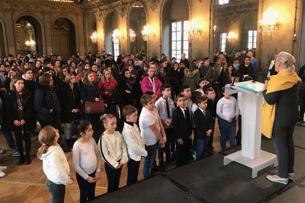 Le parcours mémoriel des rafles de la Gestapo, les 2 et 5 mars 1943, a mobilisé collégiens, lycéens et étudiants pour rendre hommage aux 300 jeunes Nancéiens déportés à Mauthausen.