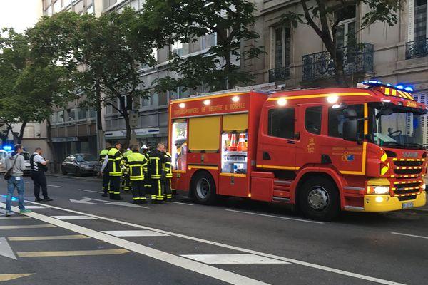 25 sapeurs pompiers sont intervenu et ont rapidement maîtrisé l'incendie