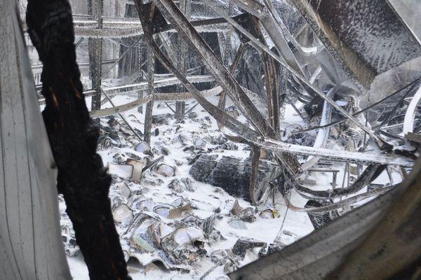 Le local des éditions Corsaire le lendemain de l'incendie, le 25 décembre 2020.