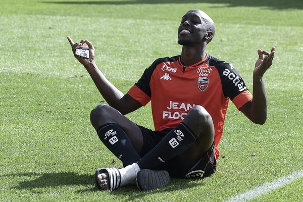 L'Attaquant lorientais Yoane Wissa, ce 23 août sur la pelouse du stade du Moustoir face à Strasbourg.
