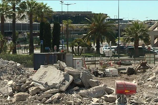 Le chantier de démolition de l'ancien centre de tri de la poste de Nice