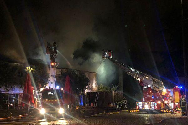 Le cinéma Ciné 32, à Auch, a été la proie d'un incendie, ce 29 juillet au petit matin.