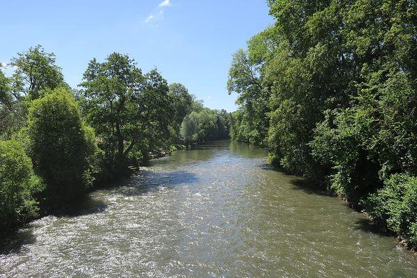 Dans la Vallée de l'Eure, entre Breuilpont et Merey, le retour de conditions plus clémentes fera oublier l'épisode fortement pluvieux de ce VENDREDI matin.