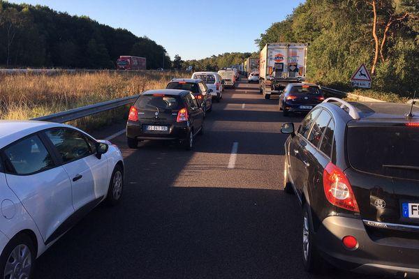 A 9h ce matin sur l'A13 dans le sens Caen-Paris, l'accident du viaduc de Oissel crée toujours des embouteillages.