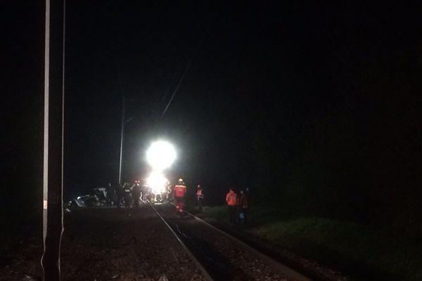 Hier soir les secours s'activent sur les lieux du drame.