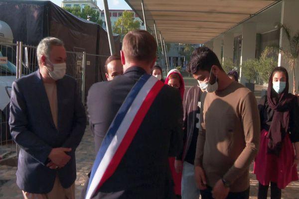 Montpellier - la famille afghane accueillie à la mairie par Michaël Delafosse - 14 octobre 2021.