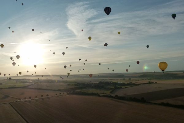 Des centaines de ballons dans le ciel, un spectacle biennal au coeur du Parc Naturel Régional de Lorraine.