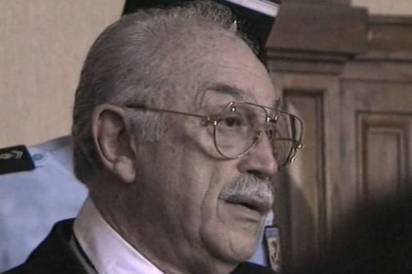 En 1995, Jacques Médecin est poursuivi pour détournement de fonds, recel d'abus de bien sociaux et corruption passive.
