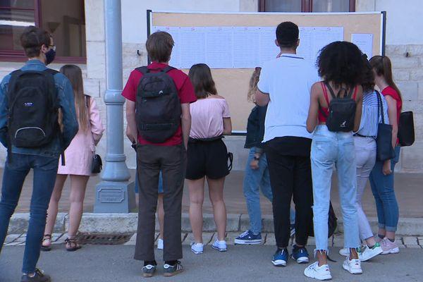 Au lycée Carnot de Dijon, ce mardi 7 juillet.