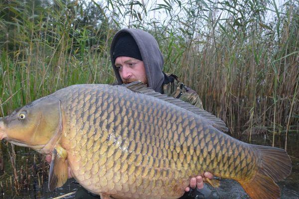 Belle pêche pour Daniele Colapicchioni (équipe italienne) le 22 septembre 2015 au Mondial de la Carpe au Lac de Madine