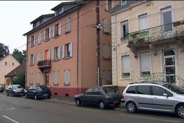 Immeuble près duquel a eu lieu la saisie d'armes et d'explosifs à Danjoutin (90)