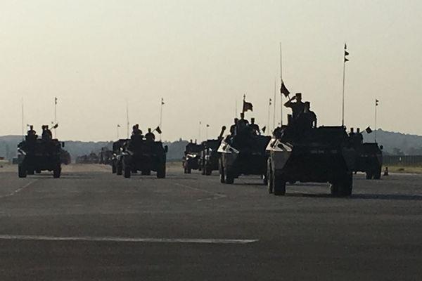 Entraînement de militaires à Brétigny-sur-Orge pour le défilé du 14 juillet 2018.