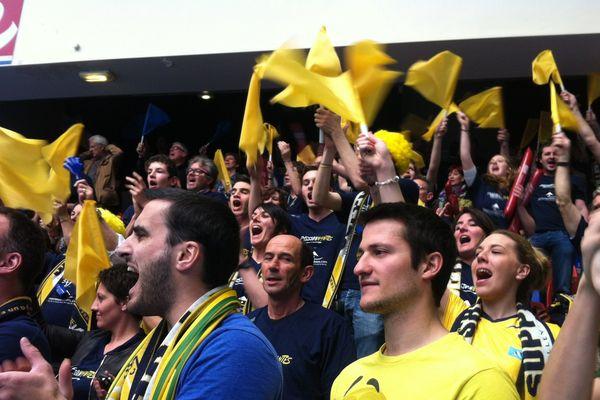 La défaite pour Nantes malgré la présence de nombreux supporters à Paris pour cette finale de coupe de France.