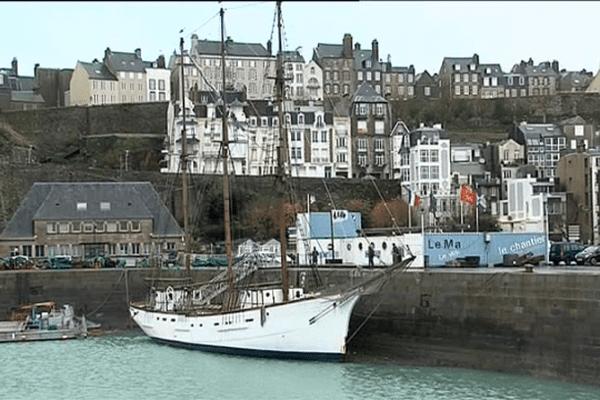 Le Marité, dernier Terre-neuvier français, se refait actuellement une beauté à son port d'attache, Granville