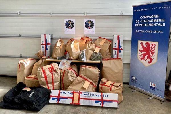 50 kilos d'herbe et de résine de cannabis ainsi que des armes lourdes ont été saisis parles gendarmes