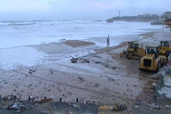 La Grande Plage de Biarritz après la tempête Hercule en janvier 2014