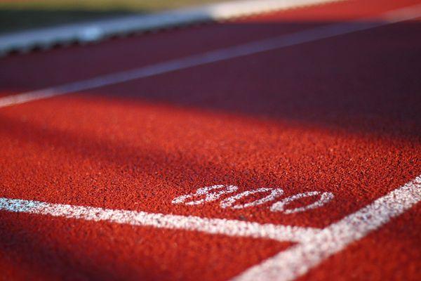 La 16e édition du meeting de Lillebonne accueillera pas moins de 250 athlètes sur 8 épreuves dont le 800 m Femmes, samedi 5 juin 2021.