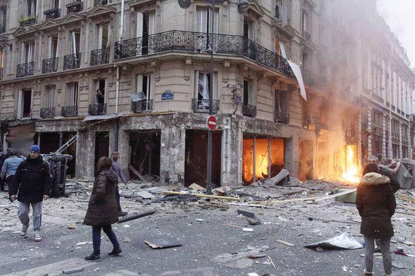 Les dégâts dans le IXe arrondissement de Paris sont très importants.