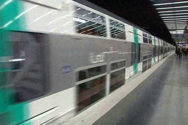 Un grave incident voyageur perturbe actuellement le trafic sur la ligne A du RER francilien.