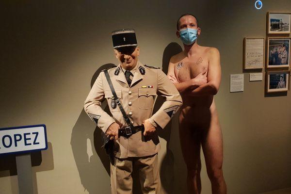 La Cinémathèque permettait aux naturistes de visiter l'exposition Louis de Funès ce dimanche.