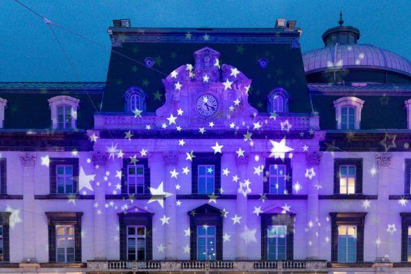 A Clermont-Ferrand, on peut s'amuser à photographier l'opéra illuminé.
