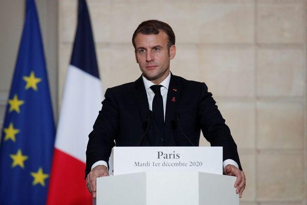 Emmanuel Macron a annoncé des mesures restrictives et dissuasives pour empêcher les français d'aller skier à l'étranger lors de son discours le 1er décembre 2020.