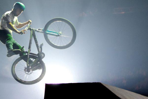 Illustration de BMX indoor , l'événement phare de Vélo passion à Avignon ce week-end