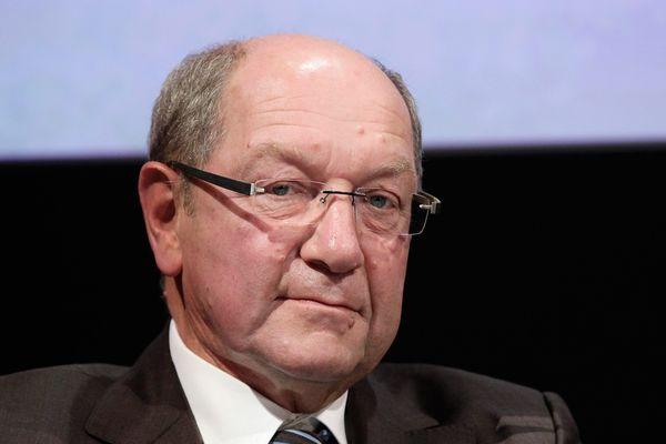 Philippe Duron, député socialiste du Calvados, préside une commission chargée d'établir un classement parmi les 70 projets d'infrastructures de transport actuellement sur la sellette