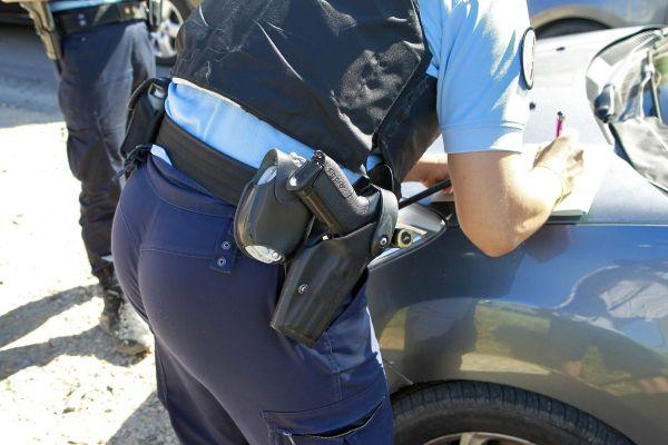 Dans le Puy-de-Dôme, les gendarmes ont recours à des patrouilles en motos banalisées pour repérer les infractions au volant. (Photo d'illustration)